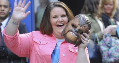 Chewbacca Mom Starts Singing The National Anthem, When She Hits The High Note? WOW!
