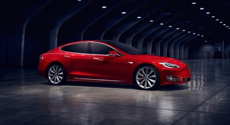 Tesla's new 100kWh battery makes Ludicrous Mode even more ludicrous