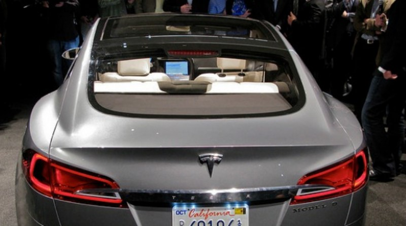 Tesla's Over-the-Air Fix: Best Example Yet of the Internet of Things?
