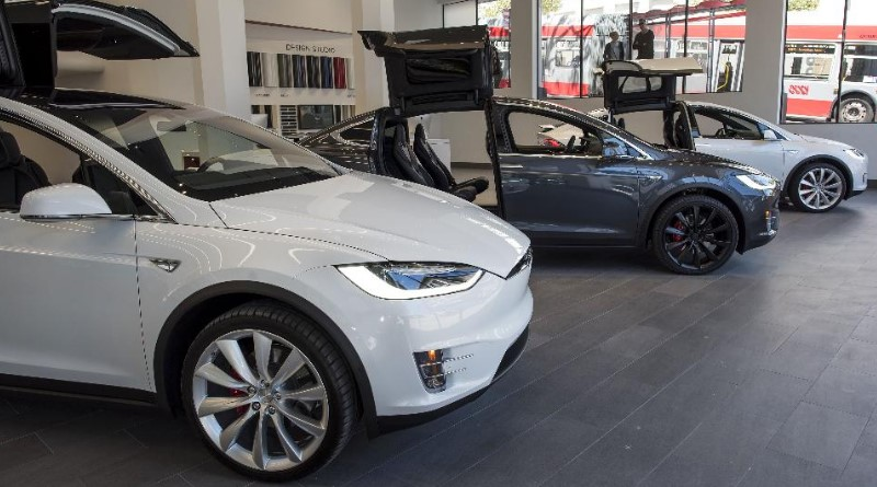 Tesla Sees Best-Ever Deliveries Amid Rocky Third Quarter