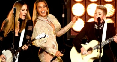 Beyonce Teams Up With the Dixie Chicks For Epic Performance of 'Daddy Lessons'
