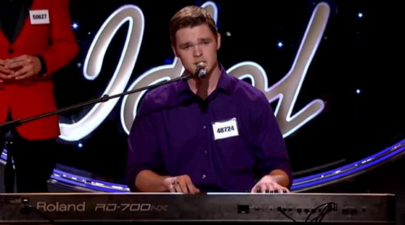 'American Idol' Contestant Sues Over Injury From Earpiece